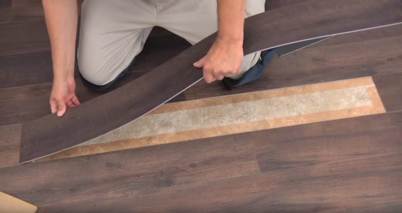 How to replace damaged vinyl plank from the existing floor for How to replace hardwood floor strips